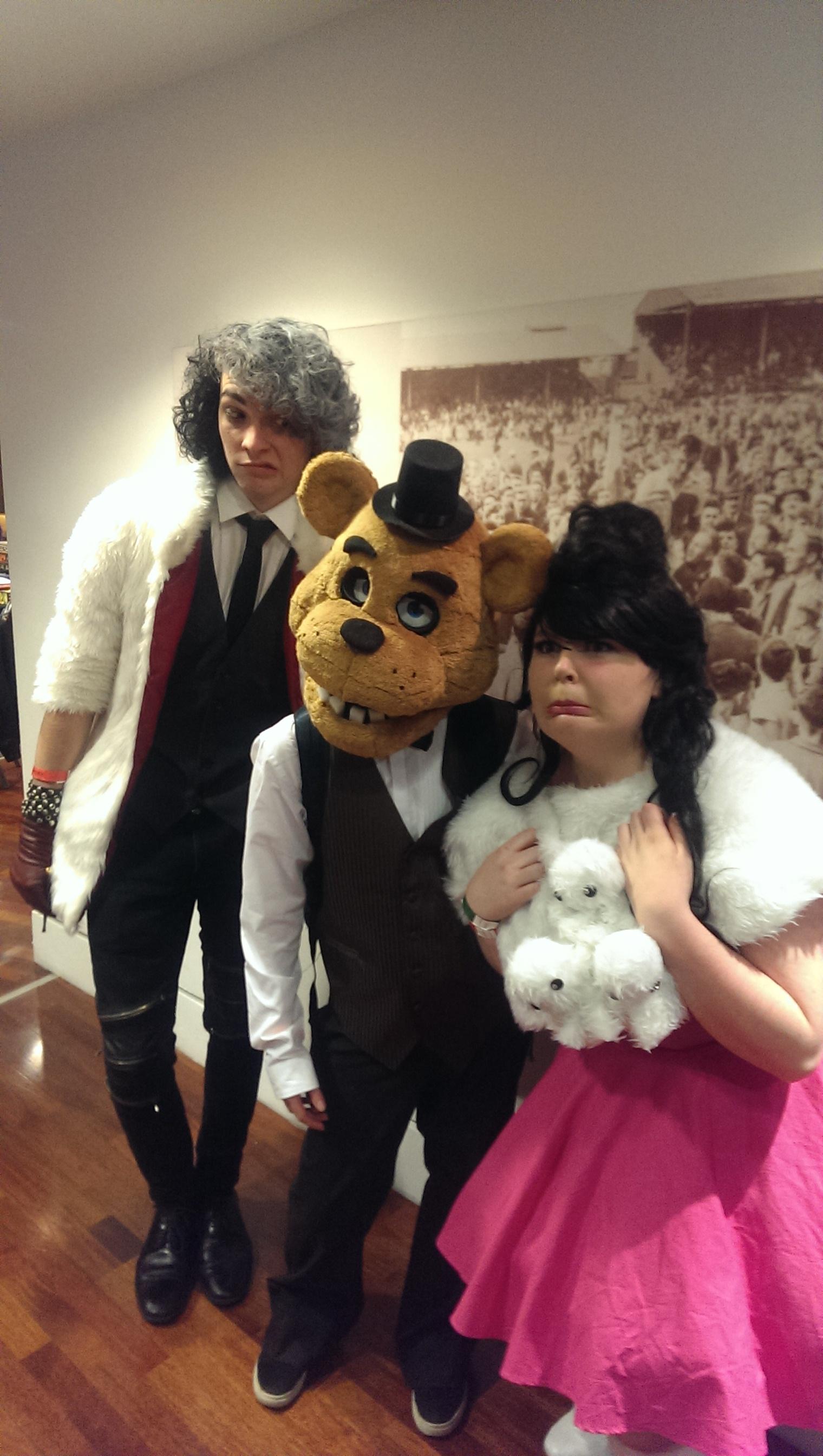 Cruella, Golden Freddy & Tsukimi