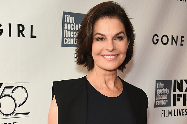 Sela Ward Is The United States President – Independence Day 2