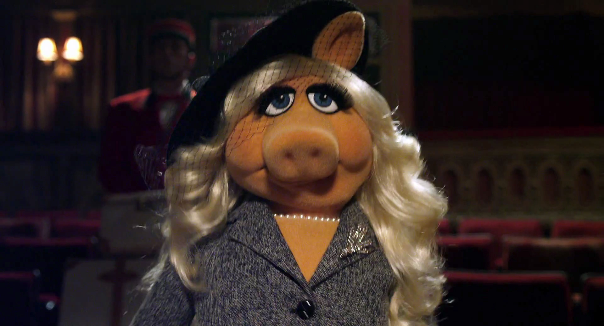 Video: Miss Piggy Is Looking For Her Money!