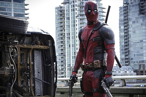 Early Official Pictures Of Deadpool Released