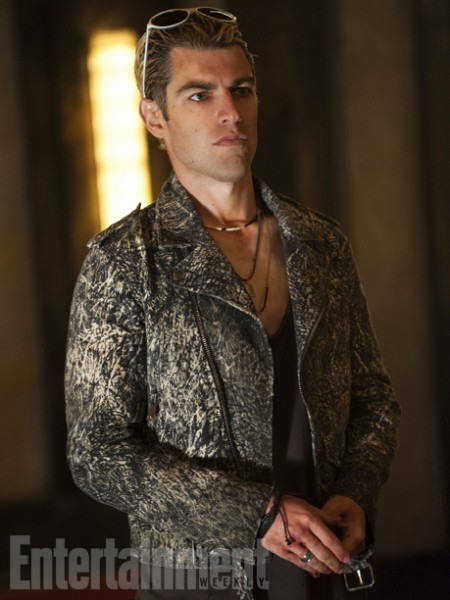 american-horror-story-hotel-max-greenfield-450x600