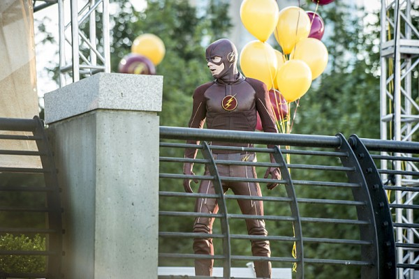 the-flash-season-2-images-600x400