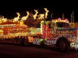 61567__christmas-decorated-truck_p_700x330