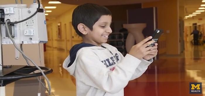 patient-gaming-on-phone-Mott-Children's-Hospital-released