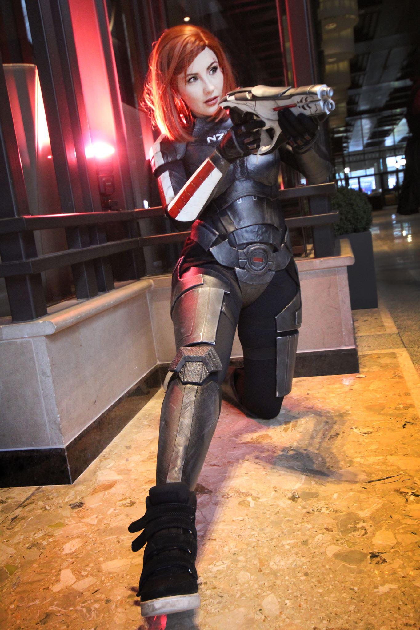 Malinka Cosplay - Commander Shepard