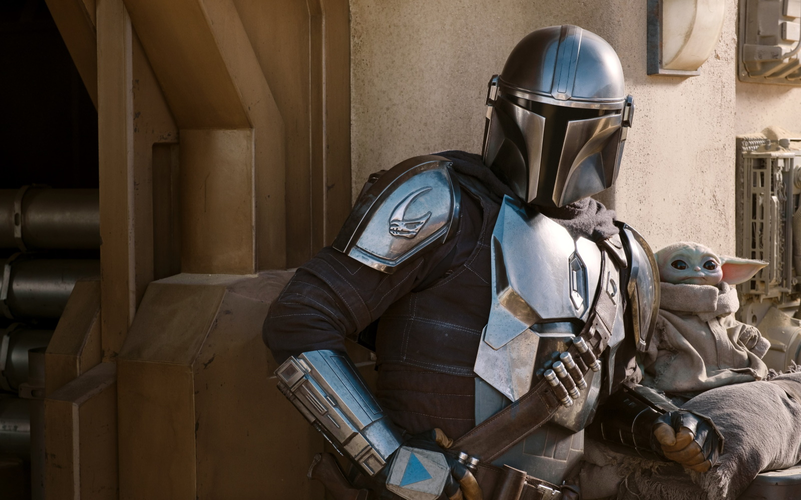The Mandalorian Season 2 Trailer Drops, Along With New Promotional Photos & Info